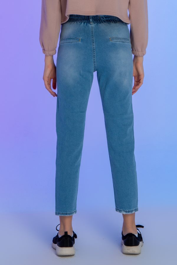 Pleated Light Blue Jeans